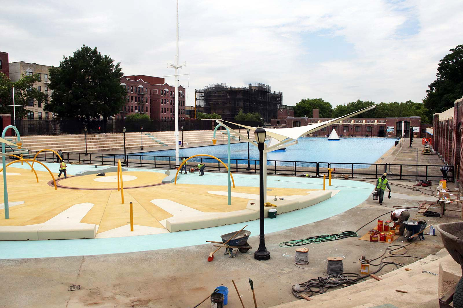 Bronx Swimming Pools Gallery Of This Weekend Is Your Last Chance To Enjoy The Floating Pool